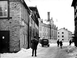 Bryggerigatan - Västra Ringvägen 1960. Bryggargården närmast till vänster.  Nya Bryggeriet i mitten (nu rivet).