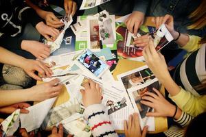 Vikning av papperstranor kräver avancerad teknik.