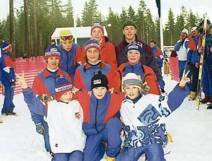 En härlig lagbild från 1996: Anders Halvarsson Catrine Åkerström, Erik Halvarsson, Ewa Bäcke, Gunnar Wagenius, Håkan Eriksson, Ida Klockervold, Lars Nelson och Tioo Söderhielm.