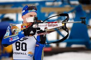 """Björn Ferry imponerade stort under gårdagen. Inte minst på skjutvallen där han sköt fullt. """"Jätteroligt! Det är faktiskt en konst att skjuta fullt och det här var bara tredje gången för säsongen som jag lyckades med den bedriften"""", sa Ferry."""