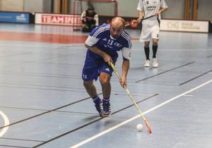 Henrik Landström tröstmålade för Wallvik.