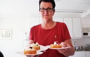 Bvc-sköterskan Margareta Larsson bjöd besökarna på fika dagen till ära.