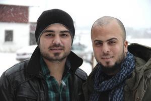 Varken Azad eller Salah Nassan hade id-handlingar som den svenska polisen hade godkänt. Men de kom hit innan de gränskontroller som nu införts.