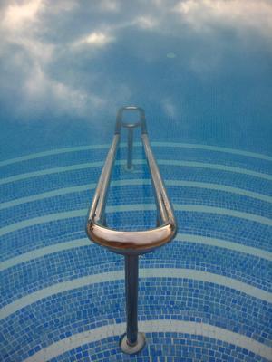 Stairway to heaven eller ett räcke ner i poolen, det är frågan.