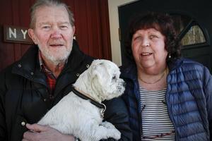 Alf och Ingegärd Nyström trivs i Hamra och skulle inte vilja bo någon annanstans.