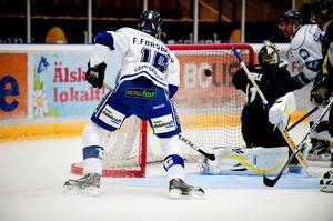 Leksands Tobias Forsberg kommer att anfalla med ryggen åt Superstart i två perioder mot Örebro i kväll.