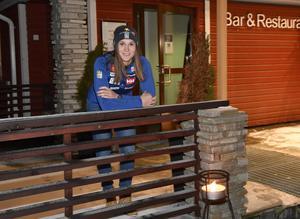 14:e i storslalompremiären, men än bättre i slalom, Estelle Alphand gör en spännande start i Levi.