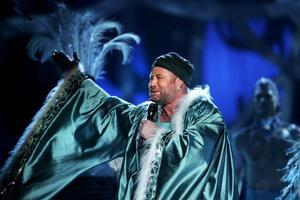 """Pontare framförde sitt bidrag """"Silverland"""" 2006."""