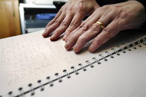 Affärerna borde ha ett system med prisinformation i punktskrift, skriver insändarskribenten. Foto: arkiv