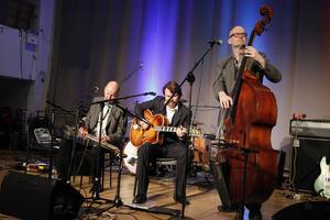 Sunset Serenaders var först ut av fyra band. Följde gjorde Brooklyn Soul Stew, nykomponerade Little Band of Brothers och Uncle Johns Band från Södertälje.