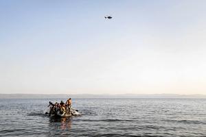 Båtflyktingar utanför ön Lesbos i Medelhavet.