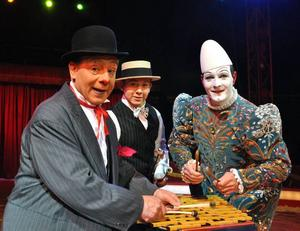 ROLIGA. Musikalclownerna Rossyan Clowner drog ned ett och annat skratt.Foto: Cirkus Maximum