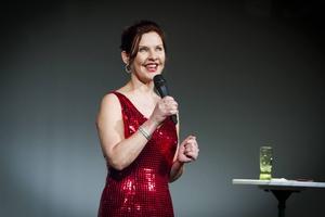 Anna-Lena Bergelin (fd. Brundin) var en av kvällens kvinnliga komiker.