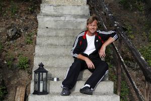 Lennart Öhman bor i Viken, Fåker, och vill dra i gång en lyskvällstradition.