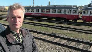 Per Ericsson, talesman för ett av byalagen längs sträckan, menar att 40 procent av den totala sträckan blir utan hållplatser.