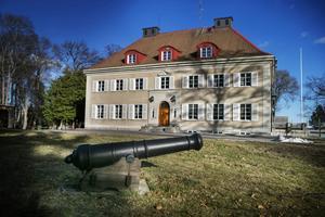 Kanonen är äkta och har en stämpel. I Hälsingland var kanontillverkningen stor i början av 1900-talet.