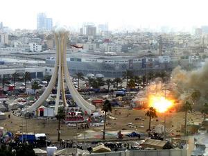 Vapenkund. I Bahrain syns spåren efter regimens attack mot den egna befolkningen. Bahrain är ett av de länder som Sverige har sålt krigsmateriel till. Arkivbild: Scanpix-AP
