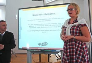 INSPIRERADE. Theres Sundberg informerade om hur landsbygden kan utvecklas genom gemensamma krafter inom byalag och berätta om hur DET ideella arbetet i Sverige fungerar.