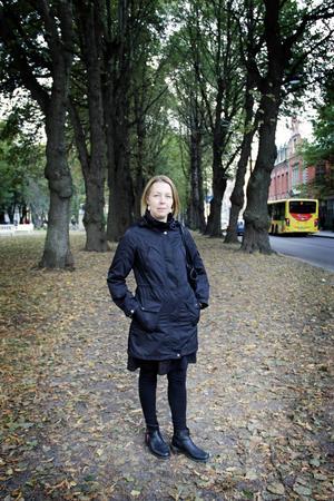 """""""Jag ville berätta min historia för att få en framtid utan sår"""", säger Birgitta Hadin Lusth, som skrivit boken """"Hela mitt hjärta""""."""