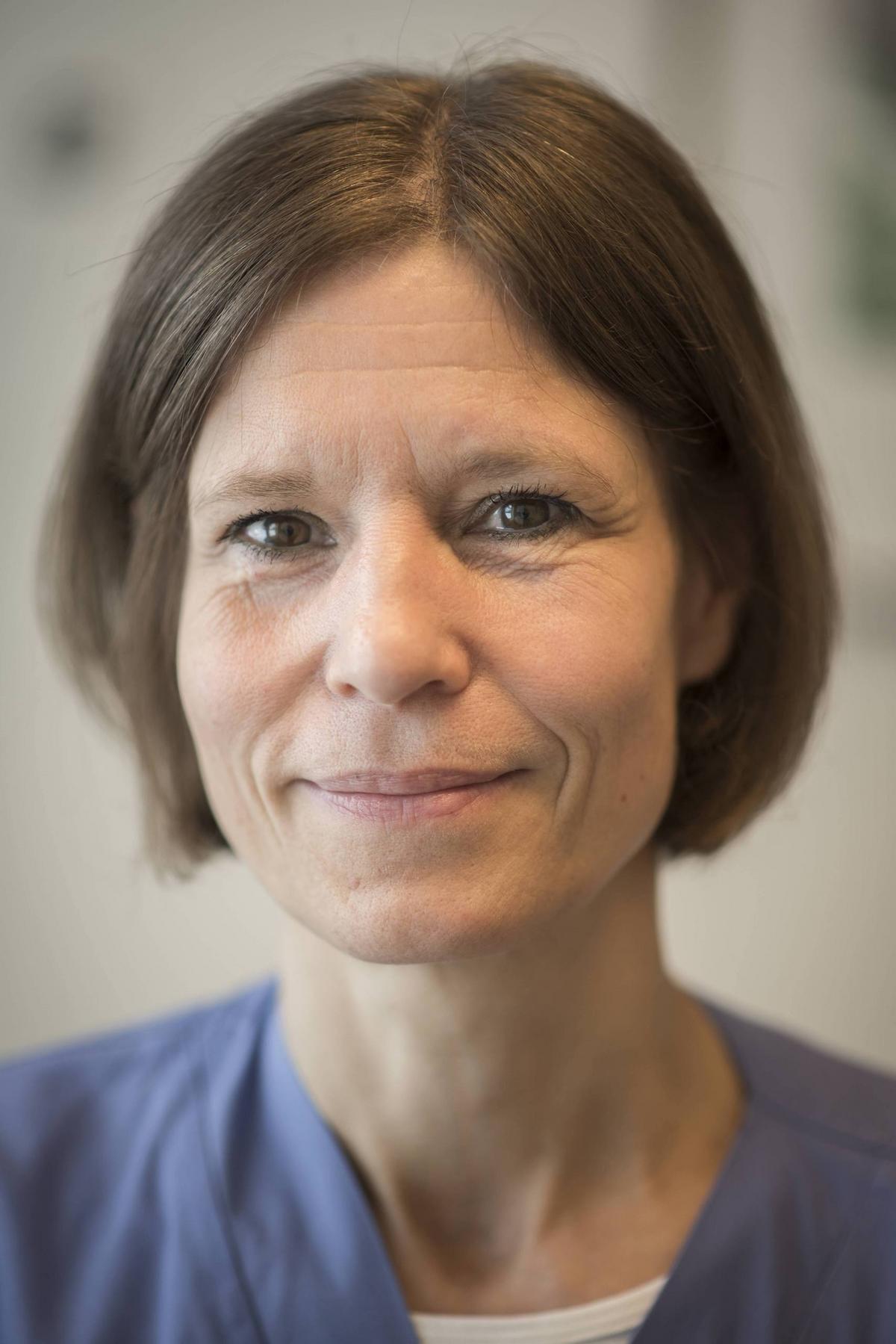 Dr. Karin Papworth