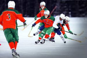 Östersunds bandykrigares bisarra issituation fortsätter. Nu har det spruckit igen på nya arenan.