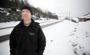 Ulf Gummesson, taxichaufför i Åre, är kritisk mot hur polisen agerade natten mot fredag. Ingen polis skickades till olycksplatsen trots att vittnen såg hur berusad föraren var.