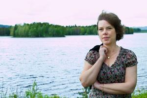 Lotta Wennlund stortrivs i Ockelbo, med arbete, fritiden och alla människor. I dag fyller hon 50 år men firar gör hon först om en vecka.