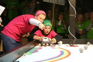First Lego league är en tävling för barn och ungdomar i åldern 10 -16 år.