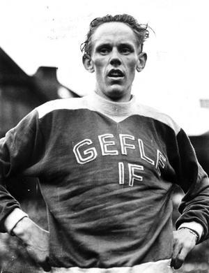 REKORDSNABB. Gunder Hägg var snabbast i världen på alla distanser från 1 500 till 5 000 meter och satte sexton världsrekord. Men trots att han ofta sprang på Strömvallen lyckades han inte sätta ett enda av dessa i hemstaden Gävle.