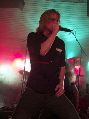 Joakim Eriksson från Tempory har antagligen länets bästa röst för genren.