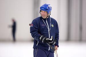 Svenne Olsson var på isen genom hela landslagets träning.