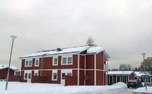 I brist på hyresgäster har Vansbrohem tvingats att sätta två av hyreshusen på Legoland i malpåse.FOTO:LEIF OLSSON