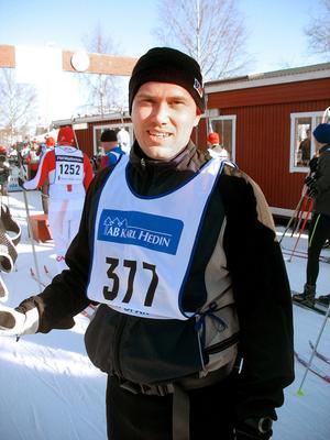 Efter ett uppehåll på 3-4 år återvände Patrik Grönman från Gävle till Öppet spår. Han hade förberett sig med att träningsåka  40 mil, främst i Högbo.– Det har ju inte funnits så mycket annat att välja på, sa Patrik.