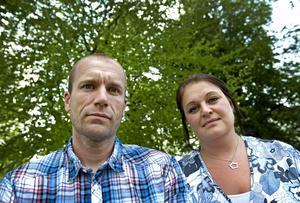 Slog larm. Matematiklärarna Jenny Ahinko och Anders Eriksson larmade när de upptäckte vad de befarar är fusk med nationella proven i matematik.Bild: Håkan Risberg