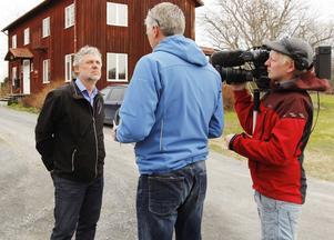 Peter Eriksson (MP) får inte sitta längre i riksdagen. Nu kandiderar han till EU i stället och i går frågades han ut av Jämtlandsnytt innan han träffade personalen vid Eldrimner.