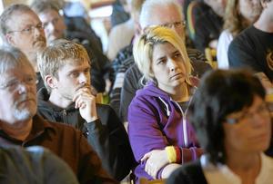 Ett hundratal anställda, som är varslade om uppsägning Esab, kom i går till Laxå kommuns möte om framtida åtgärder. Med på mötet var även representanter från länsstyrelsen, arbetsförmedlingen, regionförbundet, Trygghetsrådet, Startkraft, Cityakademin och den framtida postterminalen i Hallsberg. BILD: HÅKAN EKEBACKE