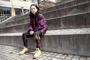 Lever sin dröm. Shirley Harthey Ubilla dansar både själv och undervisar andra. På Karlstads universitet  jobbar hon som adjunkt i dans, i street,  och tycker det är häftigt att street fått sådant genomslag.