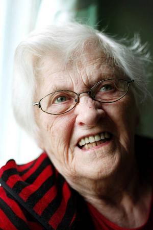 Astrid Lindgren bor i Mårdsjön.Hon fyller 91 i år.