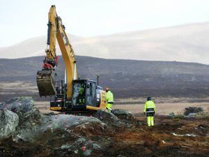 Arbete i samband med förstärkning av den gamla gruvdammen i Stekenjokk i oktober 2015.