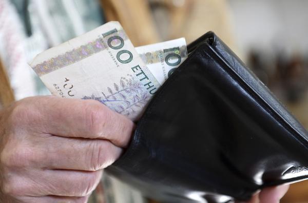 Behövs. Låt människor bestämma själva om de vill använda kontanter, manar flera organisationer.          Foto Bertil Ericson/TT