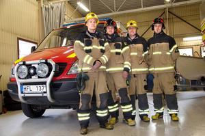 Erik Hellberg, Karl Axelsson, Mattis Löfvenberg och David Elvinsson, deltidsbrandmän på Alnö.