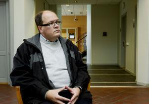 Sollefteåpolitikern Mikael Sjölund (S) har i flera års tid plockat ut nästan 100 000 kronor i förlorad arbetsinkomst – som han aldrig förlorat.