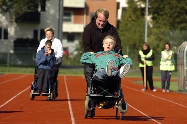 För Erik Öhlin och assistenten Mikael Nilsson var taktiken klar. Förutom att Mikael skulle springa det snabbaste han kunde skulle Erik hålla fram fötterna så långt han kunde i händelse av en målfotostrid.