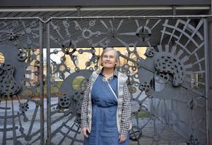 Eva Nymans studieobjekt är ofta så gamla att de var obegripliga redan på vikingatiden. Ortnamn flätar in sig i historien med förgreningar så långa att tanken svindlar.