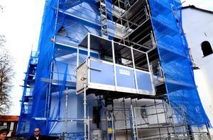 Tidigast om ett par veckor kan byggnadsställningarna monteras ner.
