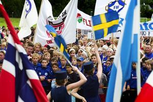 Fotbollsfest. Dalecarlia cup är en av Sveriges största turneringar, i år var 285 fotbollslag och 9 handbollslag anmälda.
