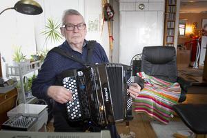 Gösta Strömbom från Harmånger, fyller 80 år.