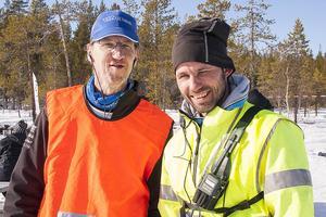 Tävlingsgeneralerna Torben Busk och Mårten Handler var nöjda med lördagens cup och ismässa. Cupen fortsatte även på söndagen på en annan sjö.