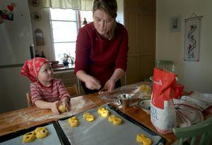 Många kvinnor går ned i arbetstid för att få mer tid med barnen. Det får stora konsekvenser för deras pension.