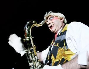 Dessa saxofoner...vad vore cirkus utan dessa instrument?